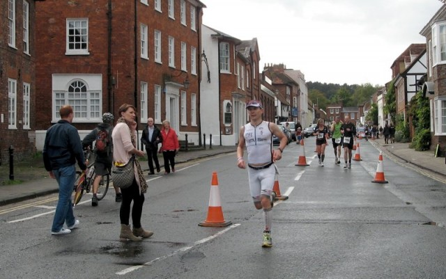 Challenge Henley 2011 - Russ Cox on the final lap of the run