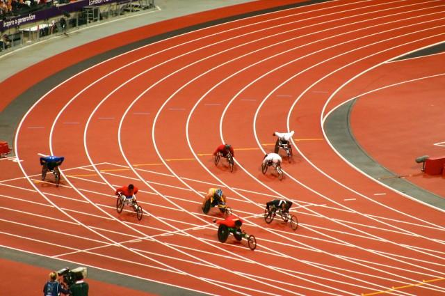 Men's 400m T53 Finals - the final bend