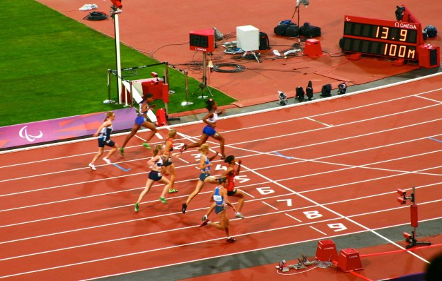 Women's 100m T37 Final - at the line